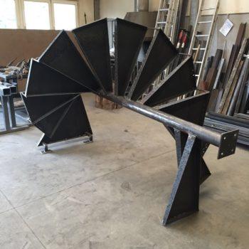 Anfertigung einer Spindeltreppe in der Werkstatt